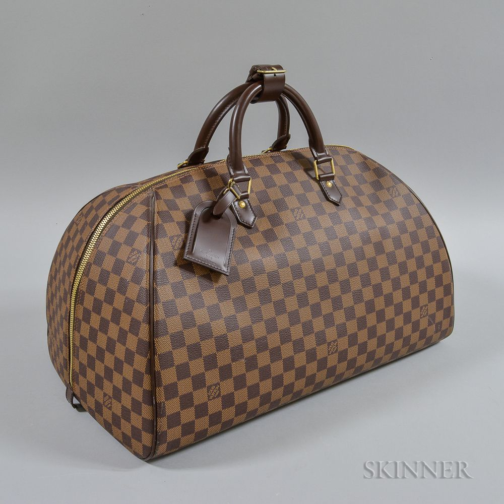 53fb0b49f898 Louis Vuitton Leather Travel Bag. Auction  3013T  Lot  ...