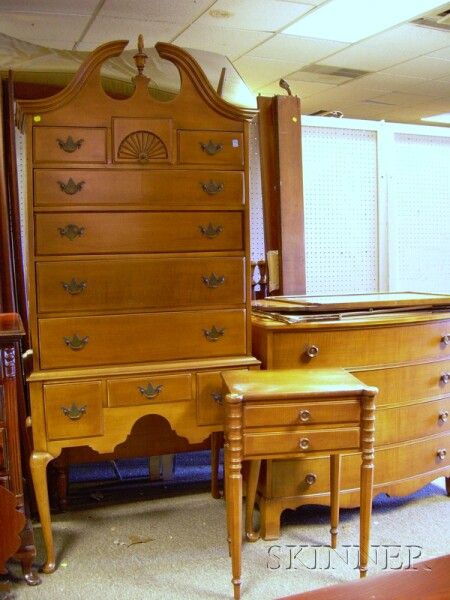 Six Piece Irwin Furniture Colonial Revival Maple Bedroom Suite