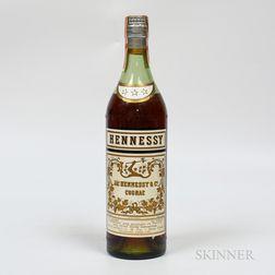 Hennessy Three Star, 1 4/5 quart bottle