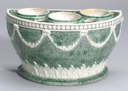 Wedgwood White Terra Cotta Stoneware Porphyry Decorated Bough Pot and Cover