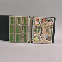 1976 Topps Baseball Complete Set.     Estimate $150-250