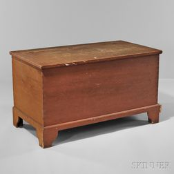 Shaker Pumpkin-stained Bracket-base Pine Blanket Box