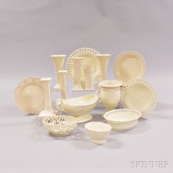 Seventeen Wedgwood Queen's Ware Items