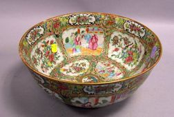 Chinese Export Porcelain Rose Medallion Bowl.