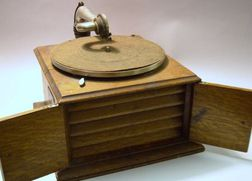 Victor Hornless Gramophone