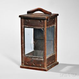 Three-window Wood Lantern