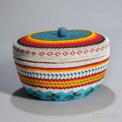 Large Lidded Paiute Beaded Basket