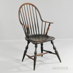 Black-painted Continuous Arm Bow-back Windsor Chair