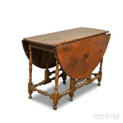 William and Mary-style Maple and Pine Gate-leg Drop-leaf Table