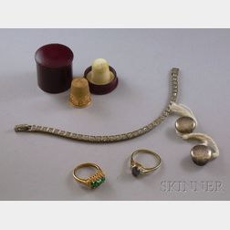 Small Group of Jewelry Items