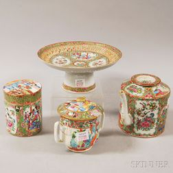 Four Pieces of Chinese Export Porcelain Tableware