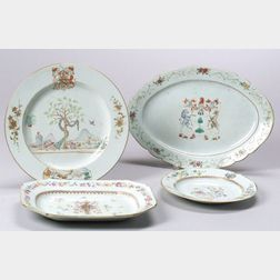 Four Armorial Decorated Chinese Export Porcelain Dishes