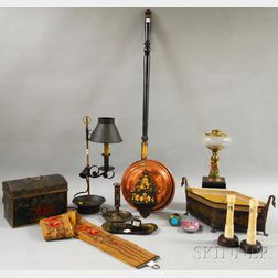 Fourteen Assorted Decorative Articles
