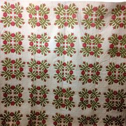 "Appliqued Cotton ""Rose Wreath"" Quilt.     Estimate $200-250"