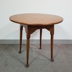 Queen Anne-style Maple Tea Table