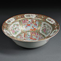 Large Famille Rose Export Medallion Bowl