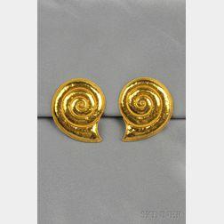 22kt Gold Earclips