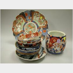Eight Pieces of Imari and Japanese Porcelain.