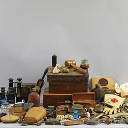 Miscellaneous Group of Gentleman's Items