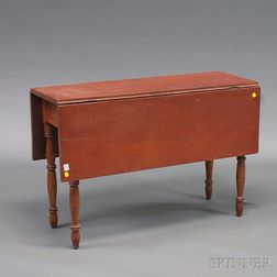 Late Federal Stained Cherry Drop-leaf Table