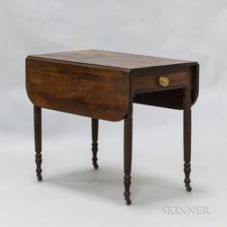 Federal Mahogany One-drawer Pembroke Table