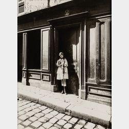 Eugène Atget (French, 1857-1927)      Versailles, Maison Close, Petite Place