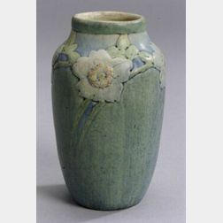 Newcomb College Arts & Crafts Pottery Decorated Vase