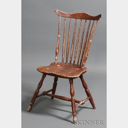 Grain-painted and Carved Fan-back Windsor Side Chair