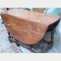 William & Mary Maple Drop-leaf Gateleg Table.