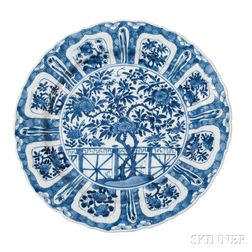 Kraak-style Blue and White Dish