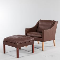 Borge Mogensen for Fredericia Stolefabrik Model 2207 Easy Chair and Model 2202 Stool