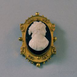 Victorian Gilt and Onyx Cameo Pendant/Brooch