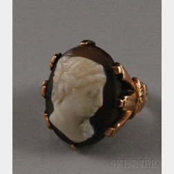 Antique 10kt Gold and Hardstone Carved Cameo Ring