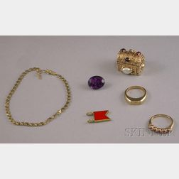 Small Group of Assorted Gold Jewelry Items