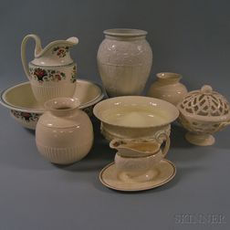 Eight Modern Wedgwood Queen's Ware Items