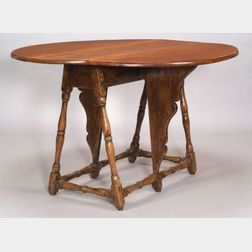 William & Mary Figured Maple Butterfly Table