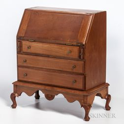 Miniature Queen Anne-style New Hampshire-type Cherry Slant-lid Desk