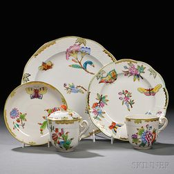 Forty Pieces of Herend Queen Victoria   Pattern Porcelain Tableware