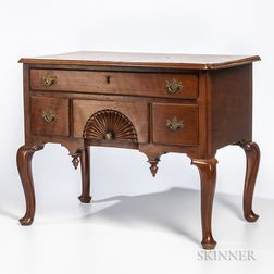 Miniature Cherry Queen Anne-style Eastern Massachusetts-type Dressing Table