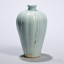 Meiping   Lobed Vase