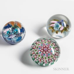 Three American Paperweights by Lundberg Studios, Victor Trabucco, and Damon MacNaught