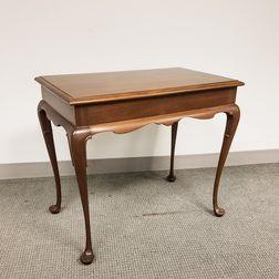 Kittinger Queen Anne-style Walnut Tea Table