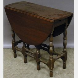 William & Mary-style Mahogany Drop-leaf Gate-leg Table with End Drawer.