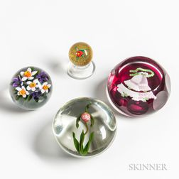 Four Paperweights by Charles Kaziun, Cathy Richardson, Gordon Smith, and Perthshire Glass