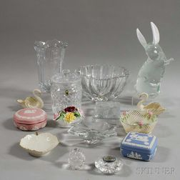 Group of Modern Glass and Porcelain Decorative Items