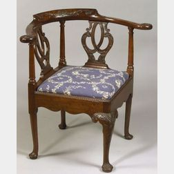 Georgian-style Carved Mahogany Corner Chair