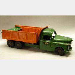 Hydraulically-Operated Structo Painted Steel Dump Truck