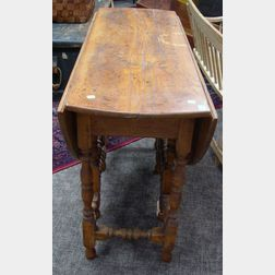 William & Mary Style Maple Drop-leaf Gate-leg Table.