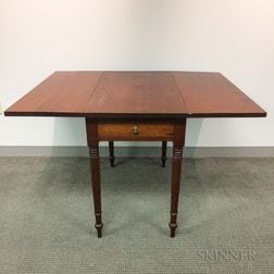 Late Federal Cherry One-drawer Drop-leaf Table