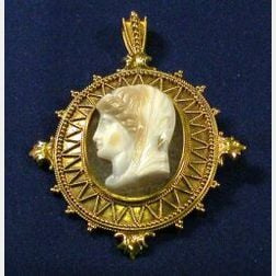 Antique Hardstone Cameo Pendant Brooch